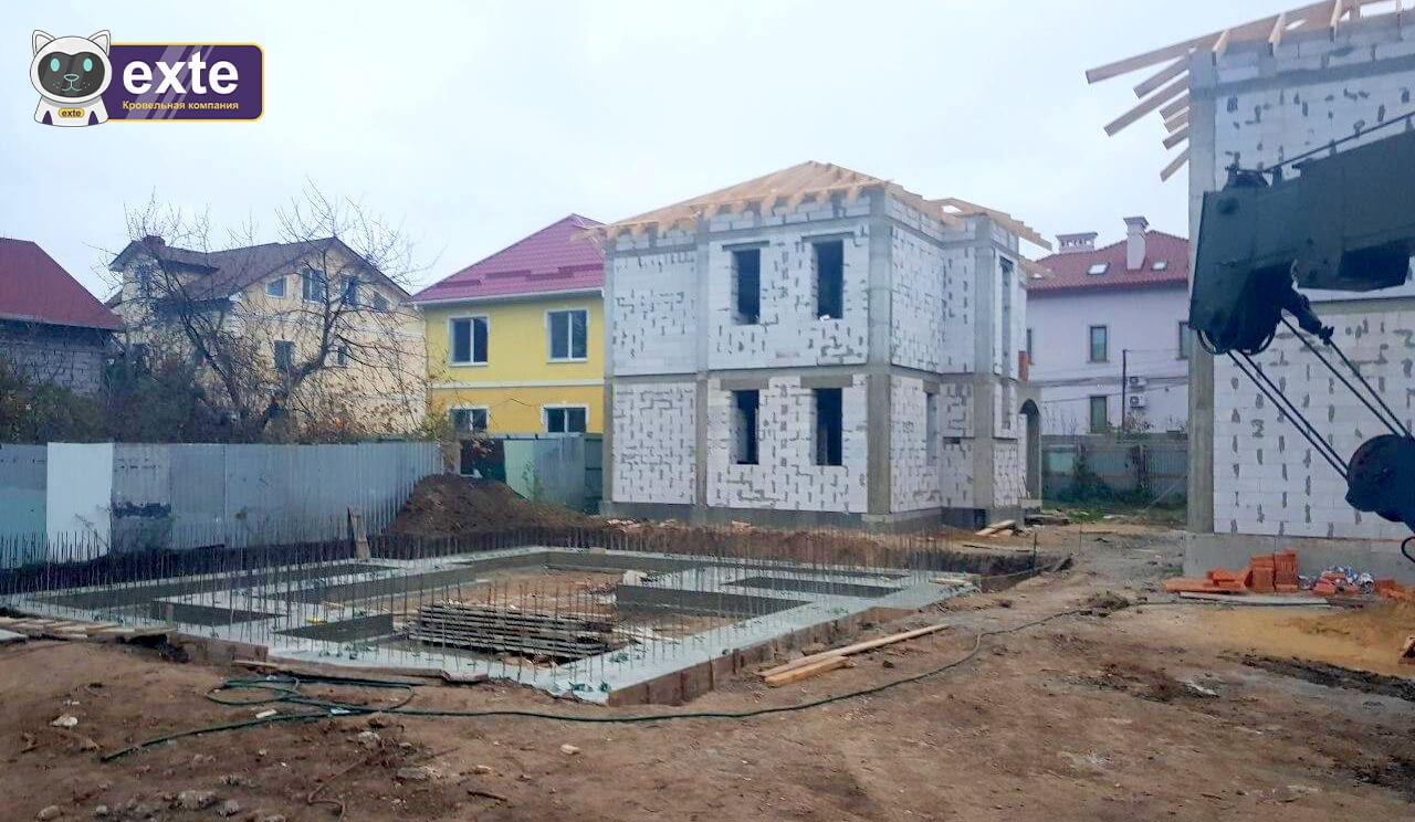 Покрівля котеджів на вулиці Дача Ковалевського